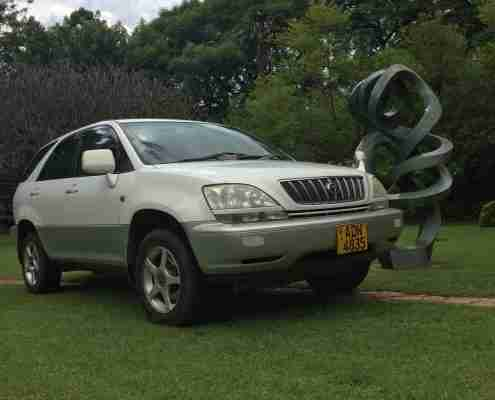 Transport Around Zimbabwe In Style Comfort With Driver Guides