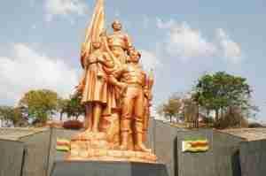 heroes acre statue zimbabwe